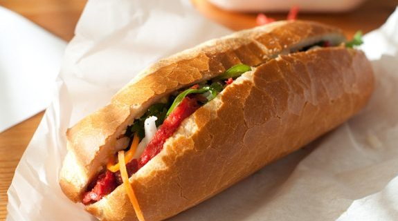 Bánh mì. French and Vietnam cuisine. Nom. Photo by Flickr user Ernesto Andrade.