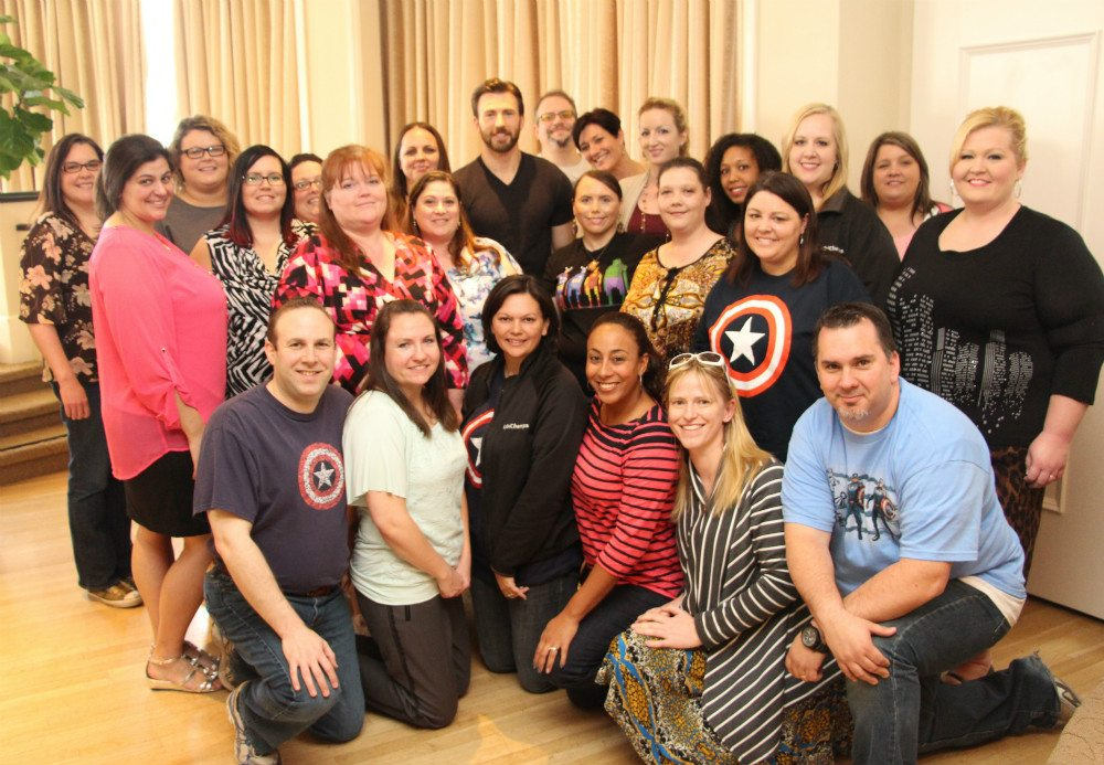 Chris Evans with the group of bloggers. You can see my head directly behind Evans' left shoulder.