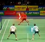 Un juego de badminton al estilo Star Wars [Vídeo]