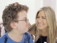 Jennifer Aniston, Smart Water y su aviso viral. [Video]