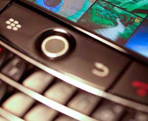 El 'pulgar de BlackBerry', el mal de los usuarios de 'smartphones'