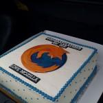 La tradición continúa, el equipo de Mozilla le envió un pastel a la gente de Internet Explorer10