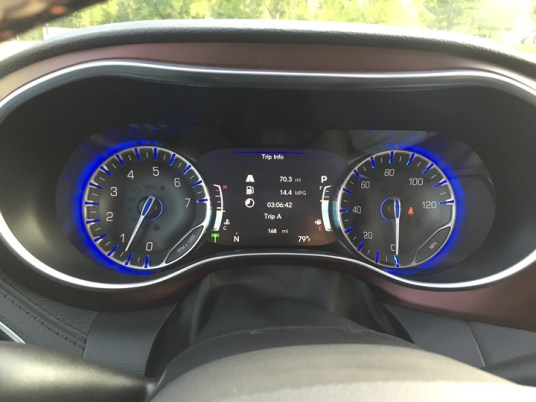 2017-chrysler-pacifica-limited-33