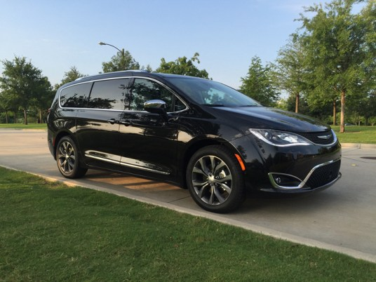 2017-chrysler-pacifica-limited-44