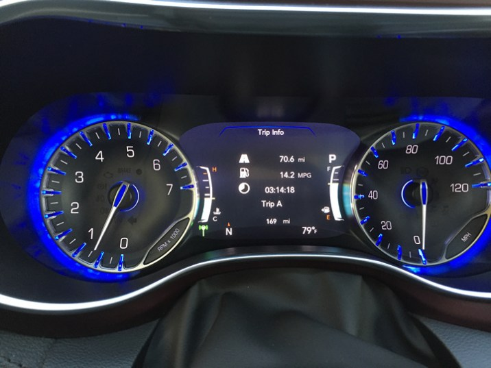 2017-chrysler-pacifica-limited-54
