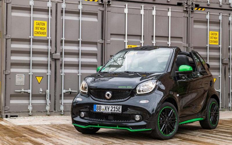 Todos los modelos del diminuto Smart tendrán versión eléctrica en el 2017