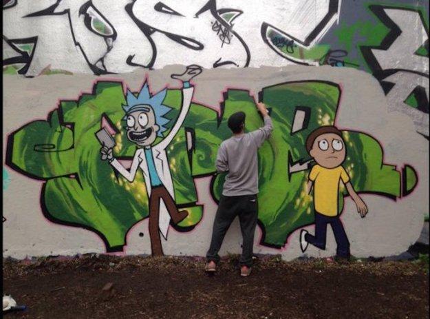 05 Rick & Morty Graffiti