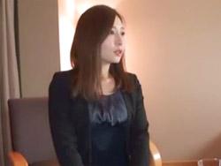 (ハメドリ)欲求不満のモデル妻(31才)がウワキSEX志願☆☆朝、夜とよがりまくりのイキまくり・・・