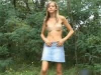 人気の無い森で、ストリップさせられてる無毛美少女が妖精過ぎる・・