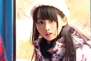 【マジックミラー号】ゲレンデ美少女が素股マッサージ!