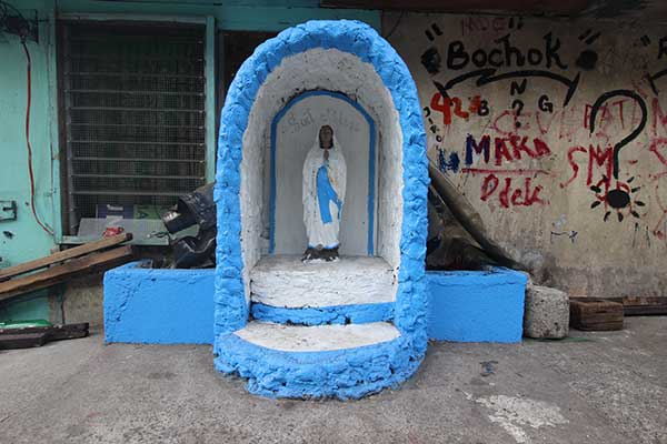 street-side-grotto,-Matimyas-St.-4