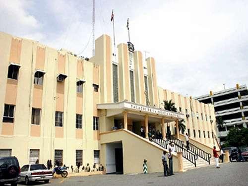 Palacio-de-la-Policia-Nacional-republica-dominicana