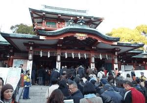 初詣東京おすすめ神社人気ランキング第10位の富岡八幡宮の初詣の様子