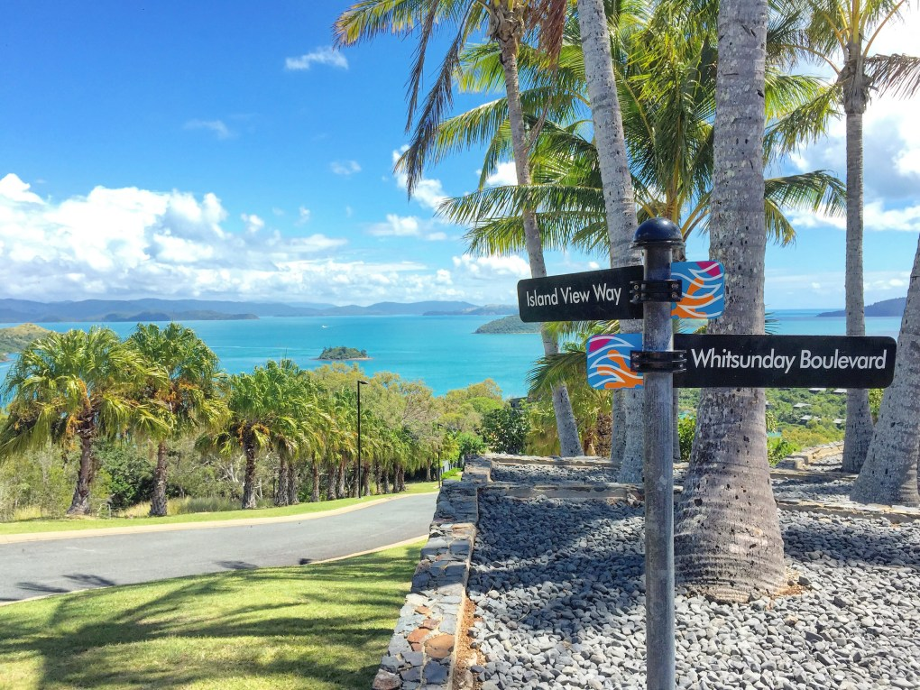 Another good exercise is hiking around the southern tip of the island (5 km) or up to One Tree Hill. You will see views you will remember for the rest of your life.