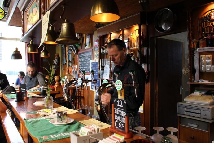 Barman, mag ik een biertje