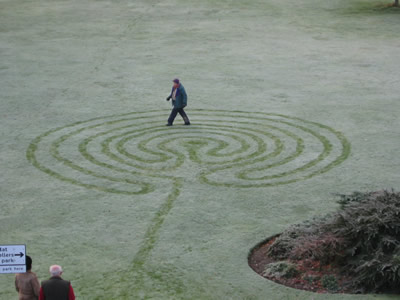 Frost labyrinth