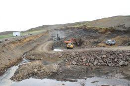 Unnið við pallsprengingu í forskeringu Fnjóskadalsmegin (02.06.2014)