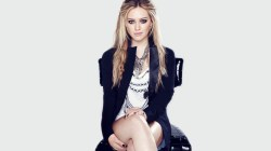Incredible Hilary Duff Legs Chair Hair Look Wallpaper Hilary Look Hilary Duff Engagement Head Hilary Duff Last