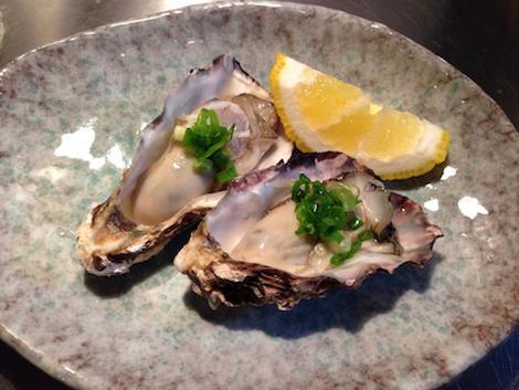 oysters at rojiura teppan kotaro