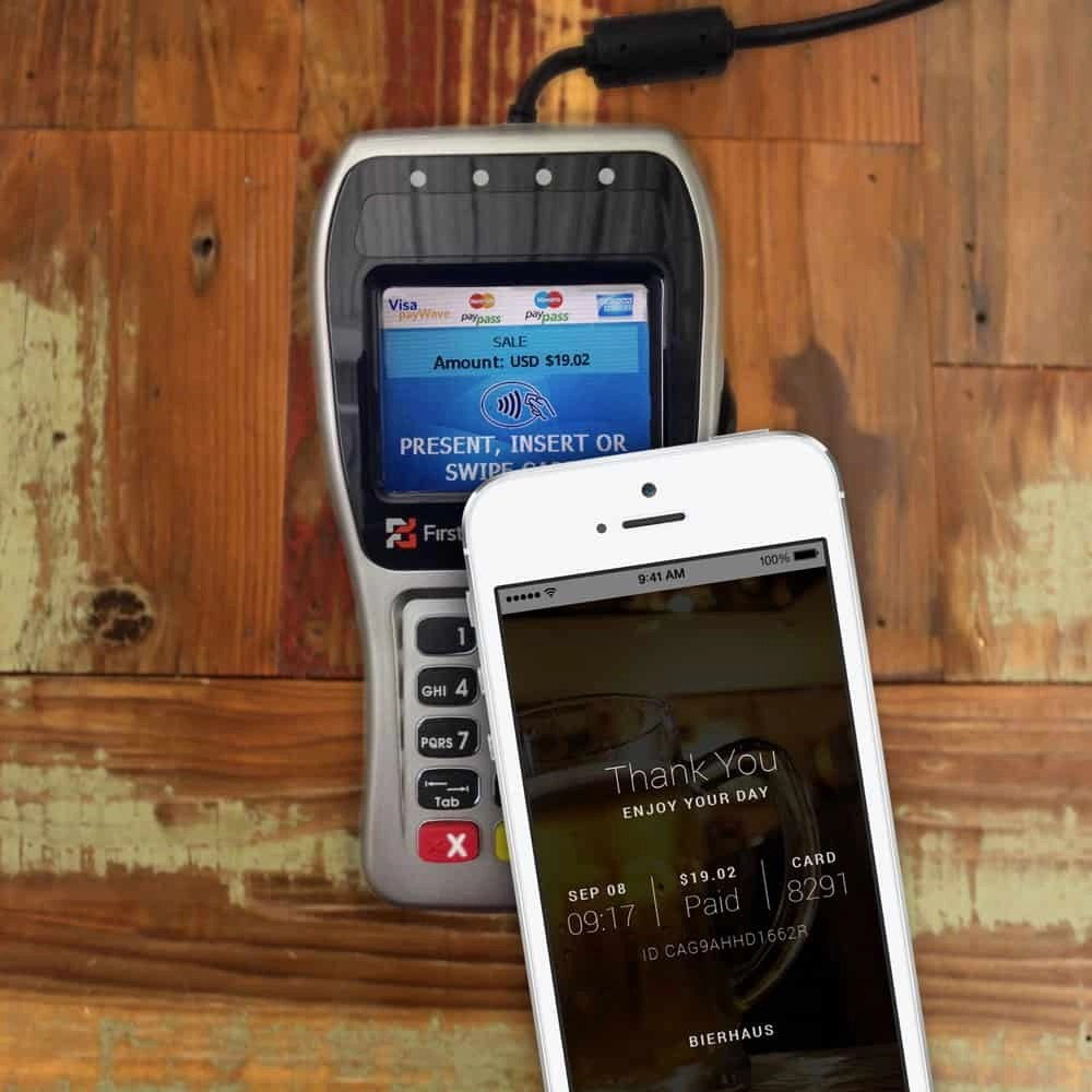 iPhone Apple Pay payment terminal