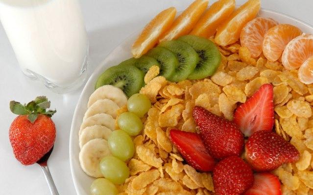 смотрите только на полезную пищю во время еди или питания