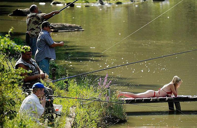 10. Месячные у женщин были бы один раз в год. Во время открытия рыболовного сезона.