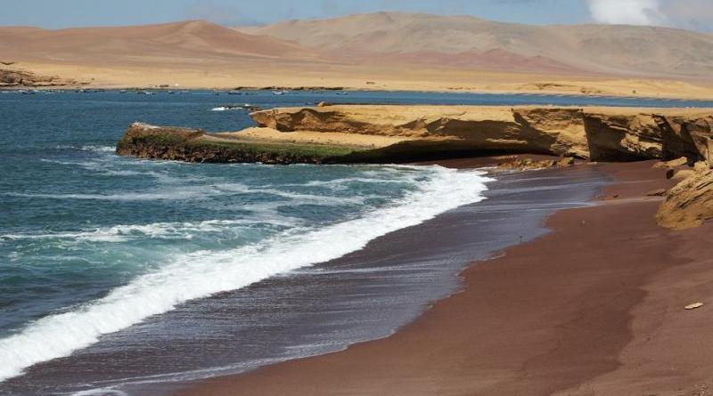 «Красный пляж», Перу