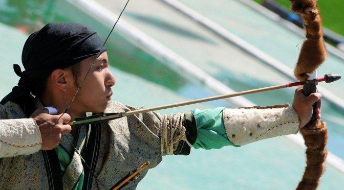 Mongolie Naadam à Oulan Bator - compétition d'archers