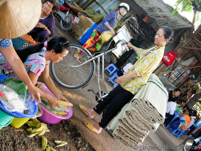 Mekong Homestay - Market 1