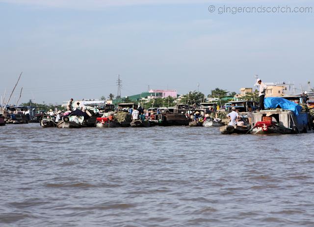 Mekong - Floating Market 2
