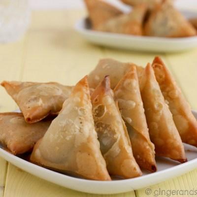 Emirati Recipe: Samboosa (fried savory triangles)