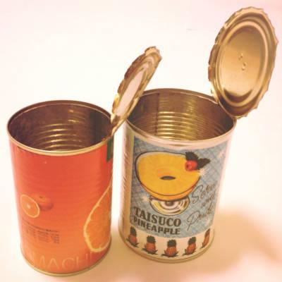果物の空き缶