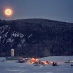 Lune d'hiver à la campagne