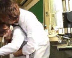 説教中に生徒を眠らせて理科室でレイプする先生を盗撮! 女性向け動画
