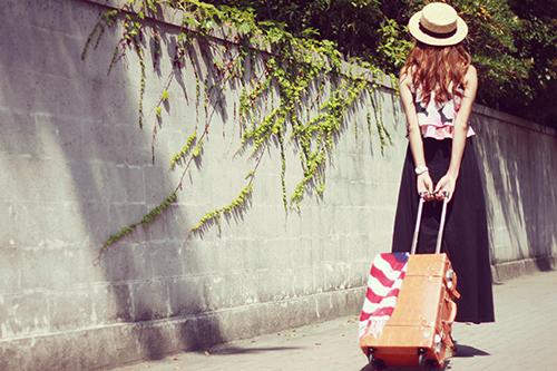 旅行のおすすめの服装とコーデ術|季節別/目的別・着まわし術