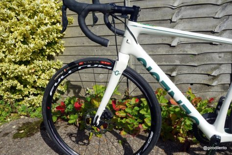 Clean lines and cable routing on this Di2 spec Datum - including neater flat mount brakes