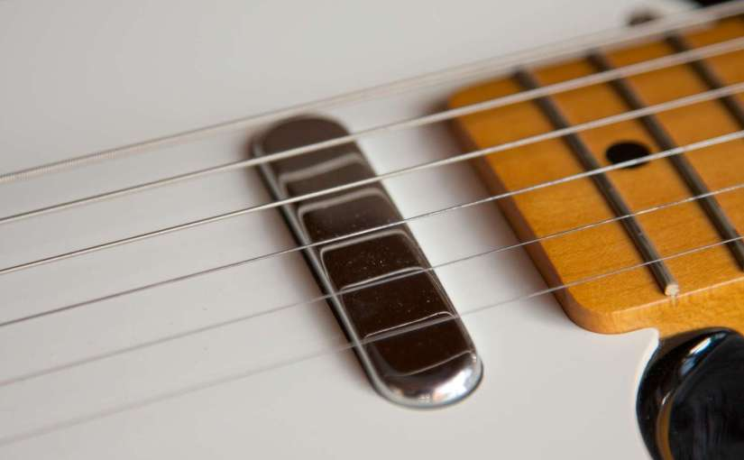 guitars-1176757_1920-1500