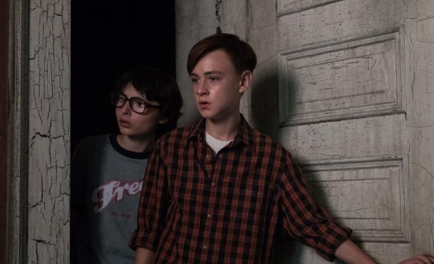 """Finn Wolfhard and Jaeden Lieberher in """"IT""""/Photo: New Line Cinema"""