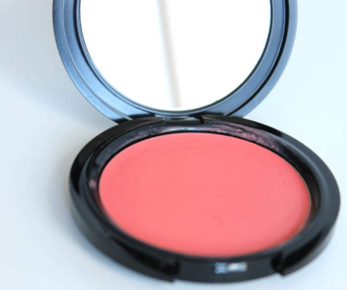 Makeup for ever hd blush in 410 coral