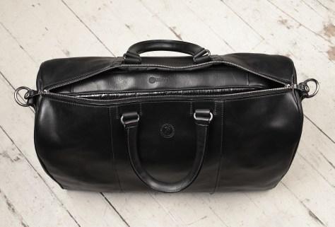 Hand-burnished,-black-Duffel-Bag;-19-x-13-x-9'-topdown1