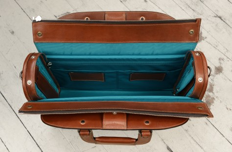 Hand-burnished,-espresso-Deal-Bag-with-turquoise-blue-lining-and-cross-body-shoulder-strap;-17-x-12-x-5'-topdown2