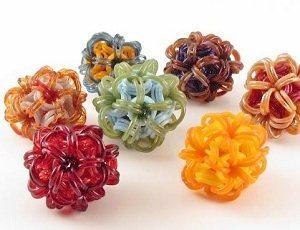 3247.1KimEdwards-glasschainmaille-beads.JPG-550x0
