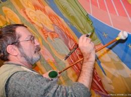 Pictorul român Viorel NEAGU, în profund proces de creaţie ortodoxă. © Maria JOSANU, s. Chetrosu