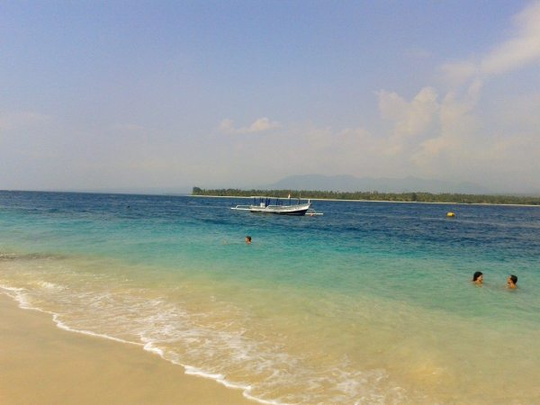 Images of the beach at Gili Air island