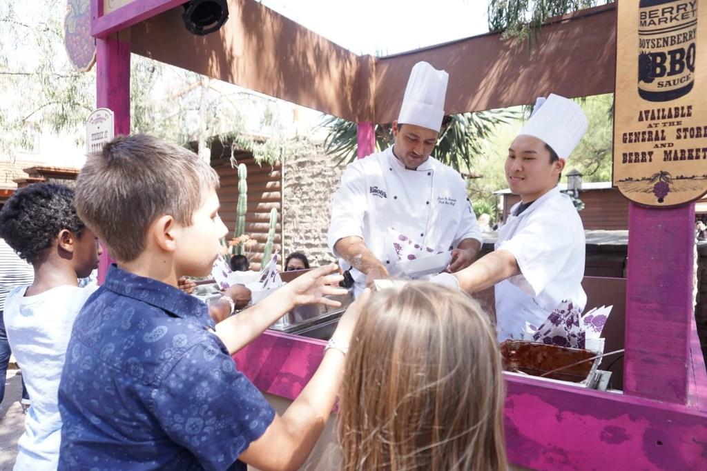 5 Reasons To Visit Knott S Berry Farm S Boysenberry