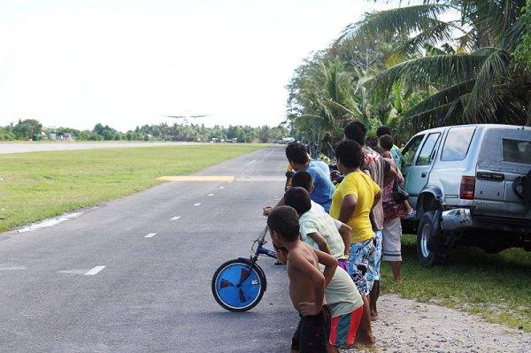 kids-in-tuvalu