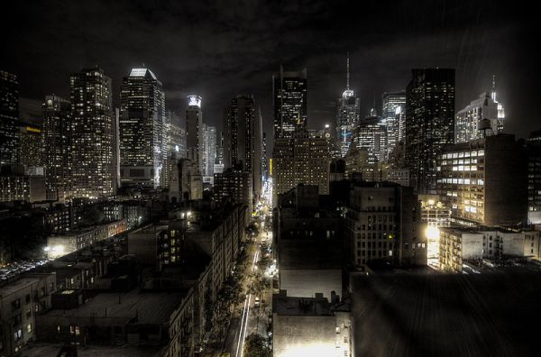 New York City at night. Photo by Paulo Barcellos Jr.