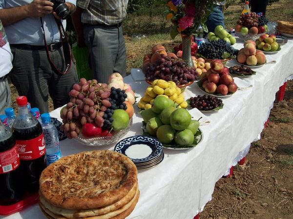Fruit in Uzbekistan. Photo by Shuhrataxmedov.