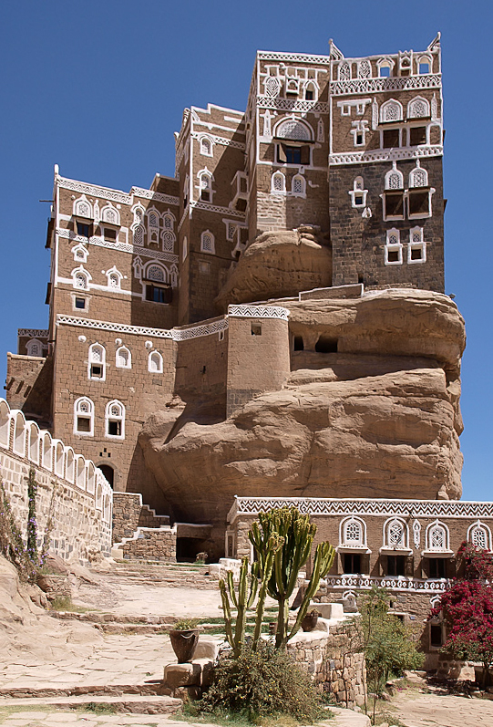 Dar al-Hajar, a mansion built in the 1930's as a summer retreat to Imam Yahya, at the place of an ancient settlement.  Photo by Antti Salonen.