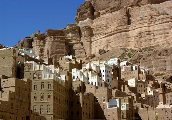 Wadi Dawan, Al Kuraibah, Hadramaut, Yemen. Photo by Jacques Taberlet.